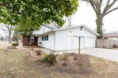 202 N 6TH ST, Mascoutah, IL 62258 - Photo 2