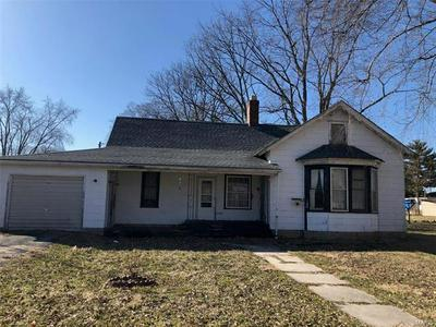 301 S MADISON ST, Ramsey, IL 62080 - Photo 1