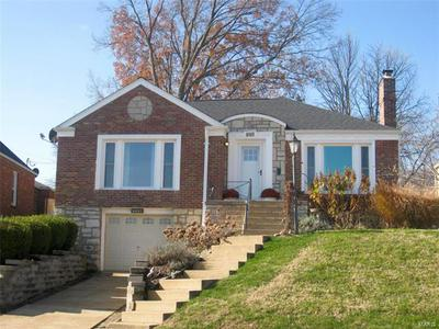 9157 CORAL DR, St Louis, MO 63123 - Photo 1