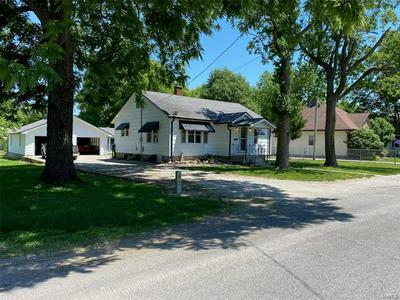 915 VOGE ST, Staunton, IL 62088 - Photo 1