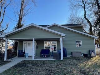105 W ADAMS ST, O'Fallon, IL 62269 - Photo 1