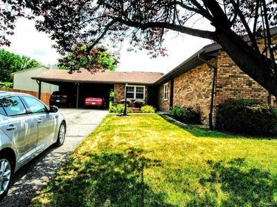 6 KENSINGTON HEIGHTS RD, Belleville, IL 62226 - Photo 2
