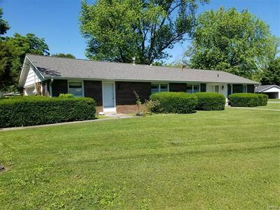 305 N SPARTA ST, Okawville, IL 62271 - Photo 1