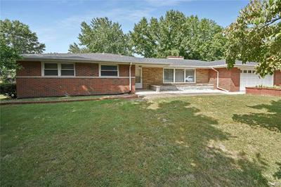 301 LOUISE DR, Collinsville, IL 62234 - Photo 2