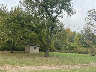 1705 S UNION ST, Staunton, IL 62088 - Photo 2