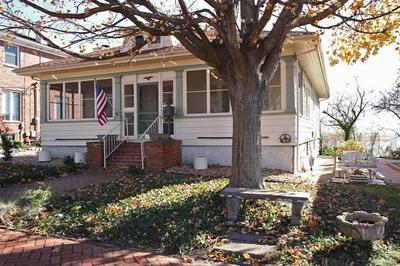 457 BLUFF ST, Alton, IL 62002 - Photo 2