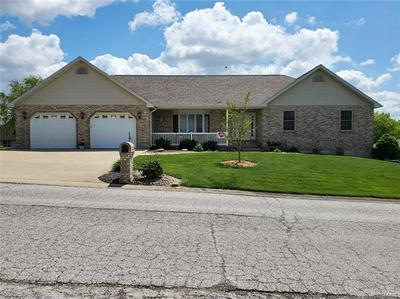 750 DEER CIRCLE DR, Carlyle, IL 62231 - Photo 1