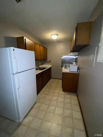 80 PHILLIPS DR APT E, Fairview Heights, IL 62208 - Photo 2