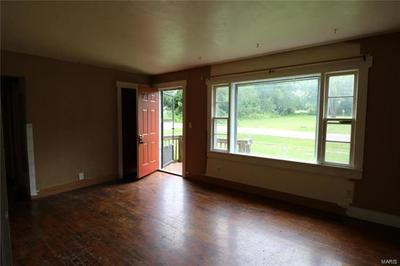 1205 E GRAND AVE, Cuba, MO 65453 - Photo 2