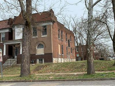 5587 PAGE BLVD, St Louis, MO 63112 - Photo 2