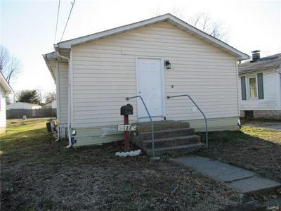 122 E 1ST ST, HARTFORD, IL 62048 - Photo 1