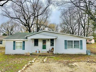1007 E WASHINGTON ST, Cuba, MO 65453 - Photo 1