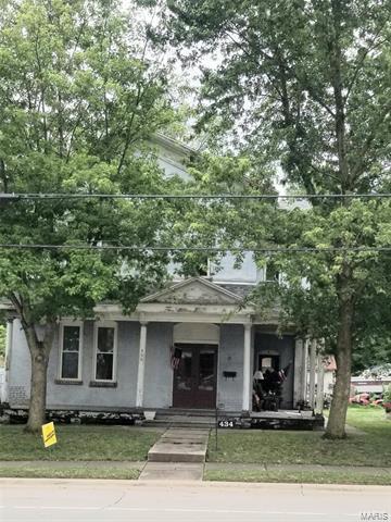 434 N MILL ST, Nashville, IL 62263 - Photo 1