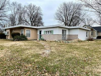 1901 N CHARLES ST, Belleville, IL 62221 - Photo 1