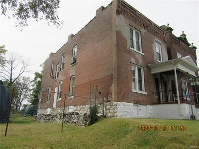 5940 WABADA AVE, St Louis, MO 63112 - Photo 2