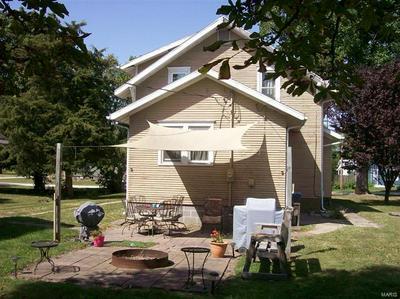 509 W CENTRAL ST, Nokomis, IL 62075 - Photo 2