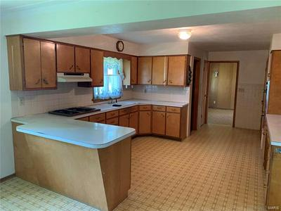514 W 3RD ST, Trenton, IL 62293 - Photo 2