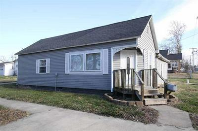 601 N GIDDINGS AVE, Jerseyville, IL 62052 - Photo 1
