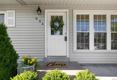 604 SESSIONS AVE, St Louis, MO 63126 - Photo 2