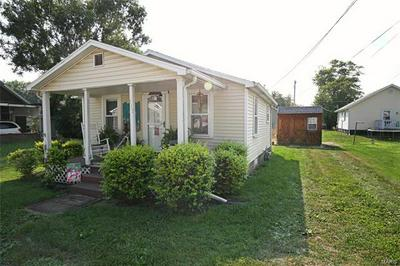 111 N HUDSON ST, Vandalia, IL 62471 - Photo 1