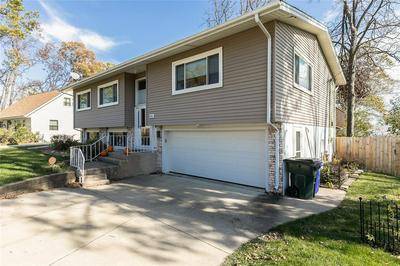 1424 34TH ST SE, Cedar Rapids, IA 52403 - Photo 2