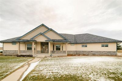 801 PINE DR SW, INDEPENDENCE, IA 50644 - Photo 1