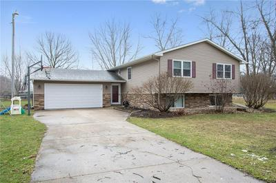 490 BEVERLY ST, ROBINS, IA 52328 - Photo 1