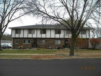 804 36TH ST SE APT 4, Cedar Rapids, IA 52403 - Photo 1