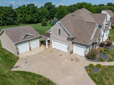1710 EMERALD CT, ROBINS, IA 52328 - Photo 2