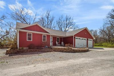 1011 W 5TH ST, Washington, IA 52353 - Photo 2
