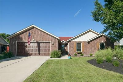 1090 WINDSOR CROSSING LN, Tipp City, OH 45371 - Photo 2