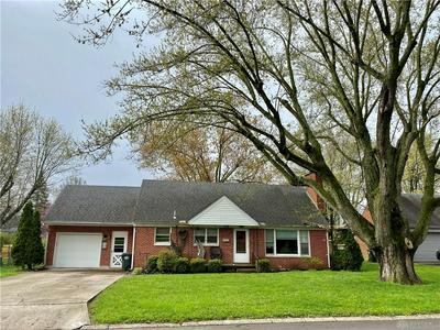 308 MEADOWGROVE DR, Englewood, OH 45322 - Photo 2