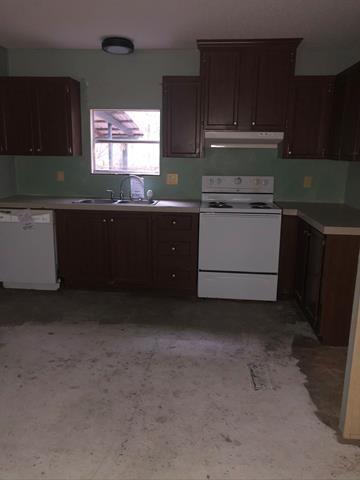 446 ABERDEEN RD, Waverly, GA 31565 - Photo 2