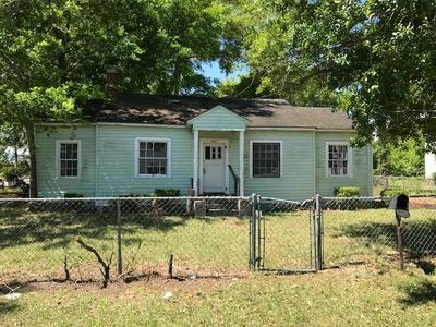 1001 GRANT ST, BRUNSWICK, GA 31520 - Photo 1