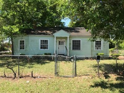 1001 GRANT ST, BRUNSWICK, GA 31520 - Photo 2