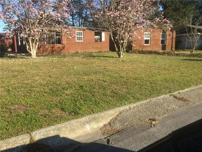 2552 CHERRY ST, BRUNSWICK, GA 31520 - Photo 1