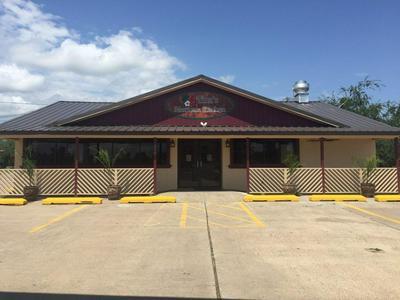 311 S SMITH AVE, Hebbronville, TX 78361 - Photo 2