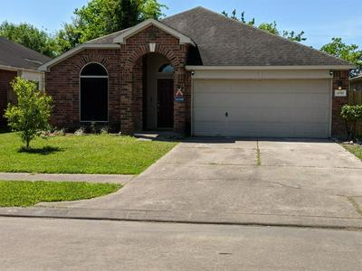 8703 W HIGHLANDS XING, HIGHLANDS, TX 77562 - Photo 1