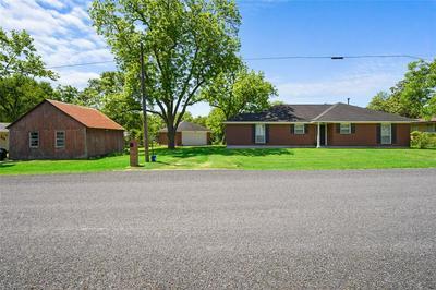 207 W CHURCH ST, Weimar, TX 78962 - Photo 1