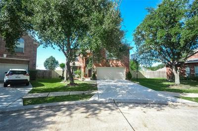 14815 HILLS BRIDGE CT, Sugar Land, TX 77498 - Photo 2