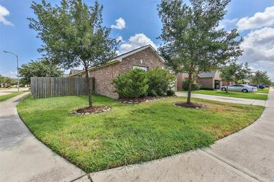 24522 HIKERS BEND DR, Katy, TX 77493 - Photo 2