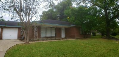 2902 BROADMEAD DR, Houston, TX 77025 - Photo 2
