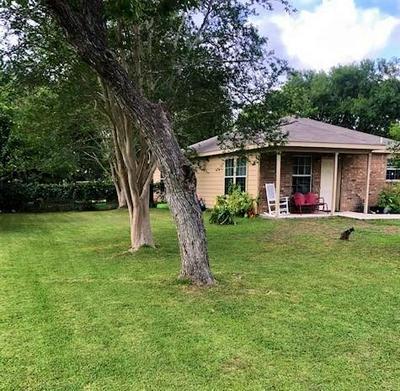 308 E UNIVERSITY AVE, Palacios, TX 77465 - Photo 1