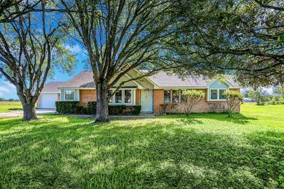 8924 HARVEST RD, Sealy, TX 77474 - Photo 1