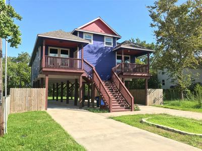 223 W 5TH ST, KEMAH, TX 77565 - Photo 1