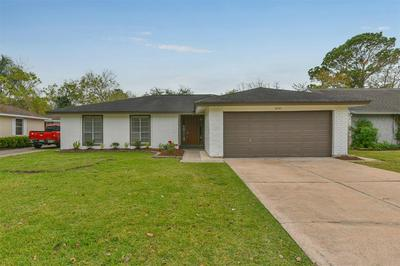 16742 TOWNES RD, Friendswood, TX 77546 - Photo 1