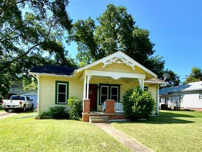 511 CHARLES LEWIS ST, Brenham, TX 77833 - Photo 2