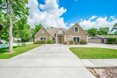 362 SMITH ST, Clute, TX 77531 - Photo 1