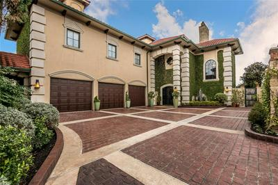 60 HARBOR LN, Kemah, TX 77565 - Photo 1
