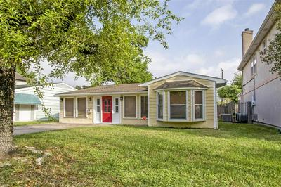 5206 LINDEN ST, BELLAIRE, TX 77401 - Photo 1